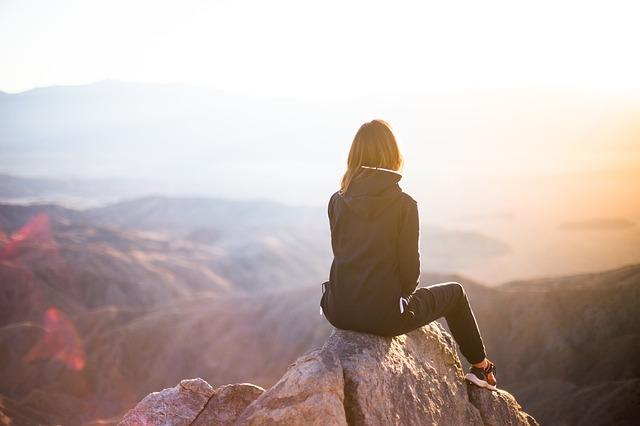 výhled z vrcholu hory